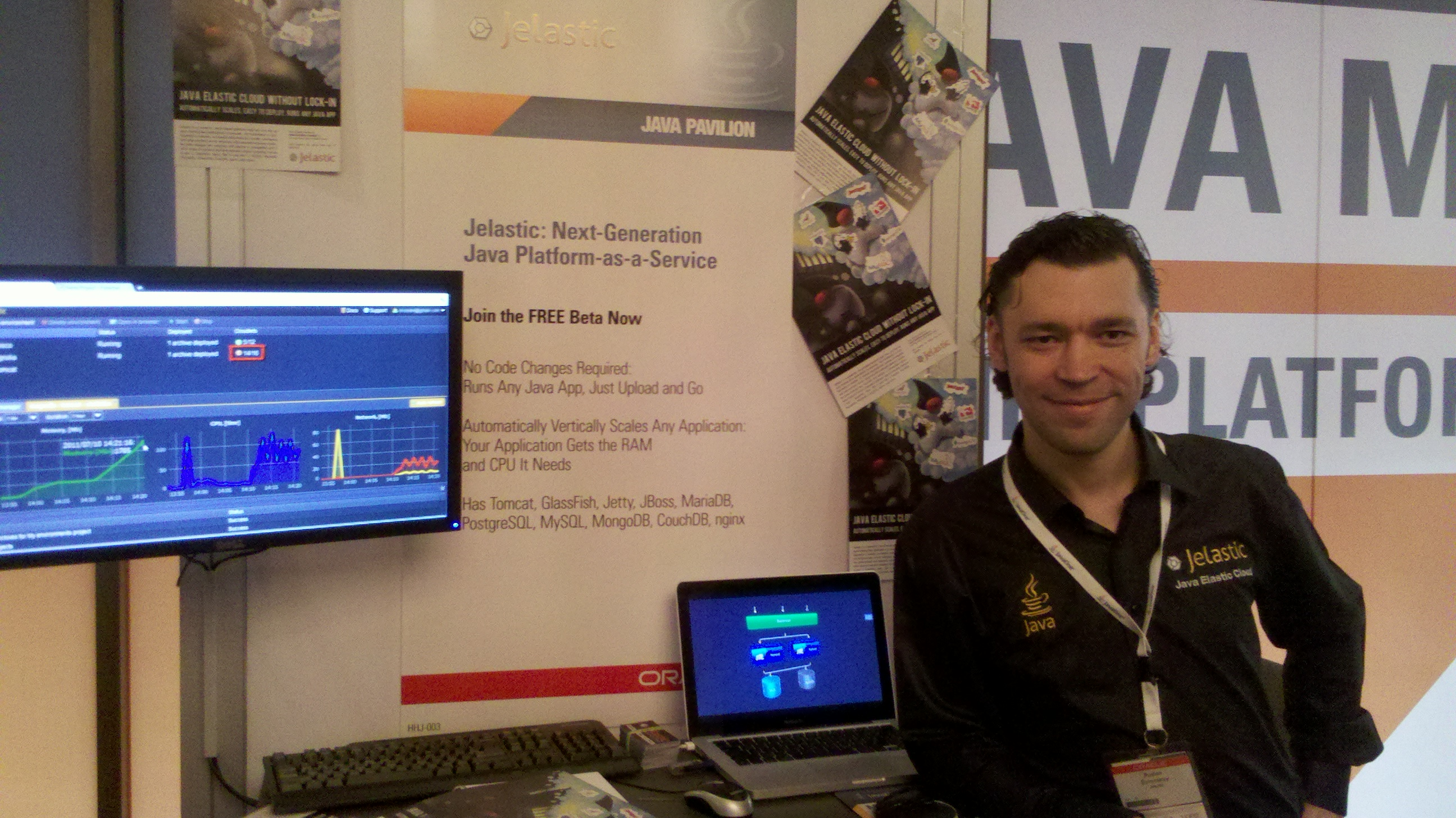 Hivext CEO Ruslan by Jelastic booth at JavaOne